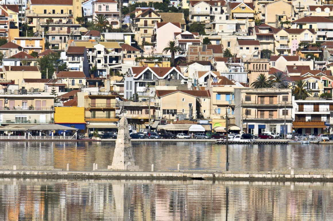 'Traditional greek city of Argostoli at Kefalonia island in Greece' - Κεφαλονιά
